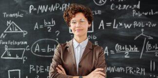 ile zarabia nauczyciel