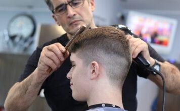 ile zarabia fryzjer